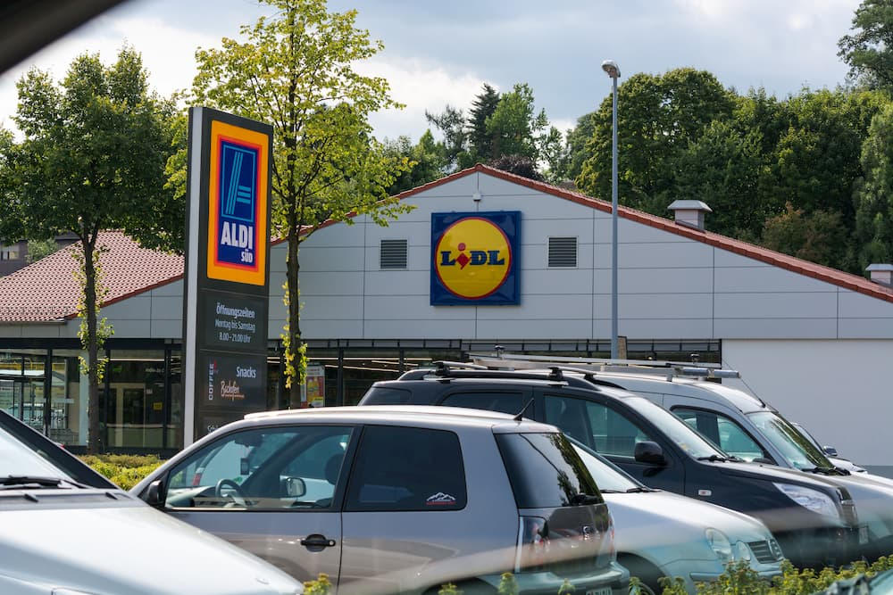 Discounter wie Aldi und Lidl liefern auch Strom © JFsPic, stock.adobe.com