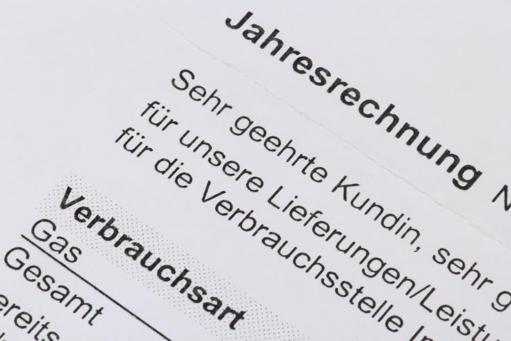 Gas Jahresabrechnung genau prüfen © Björn Wylezich, stock.adobe.com