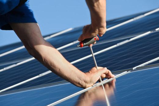 Solaranlage Installation © Marina Lohrbach
